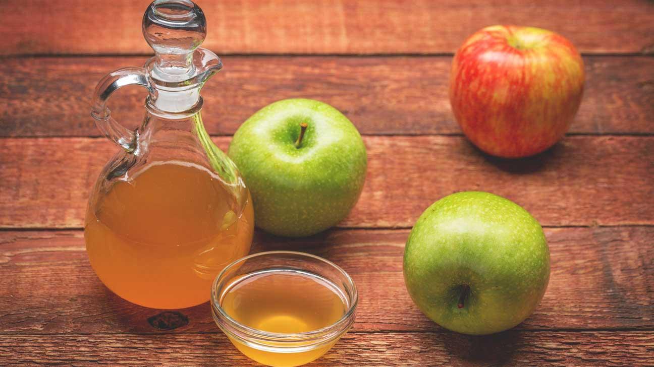 Apple cider vinegae detox drink