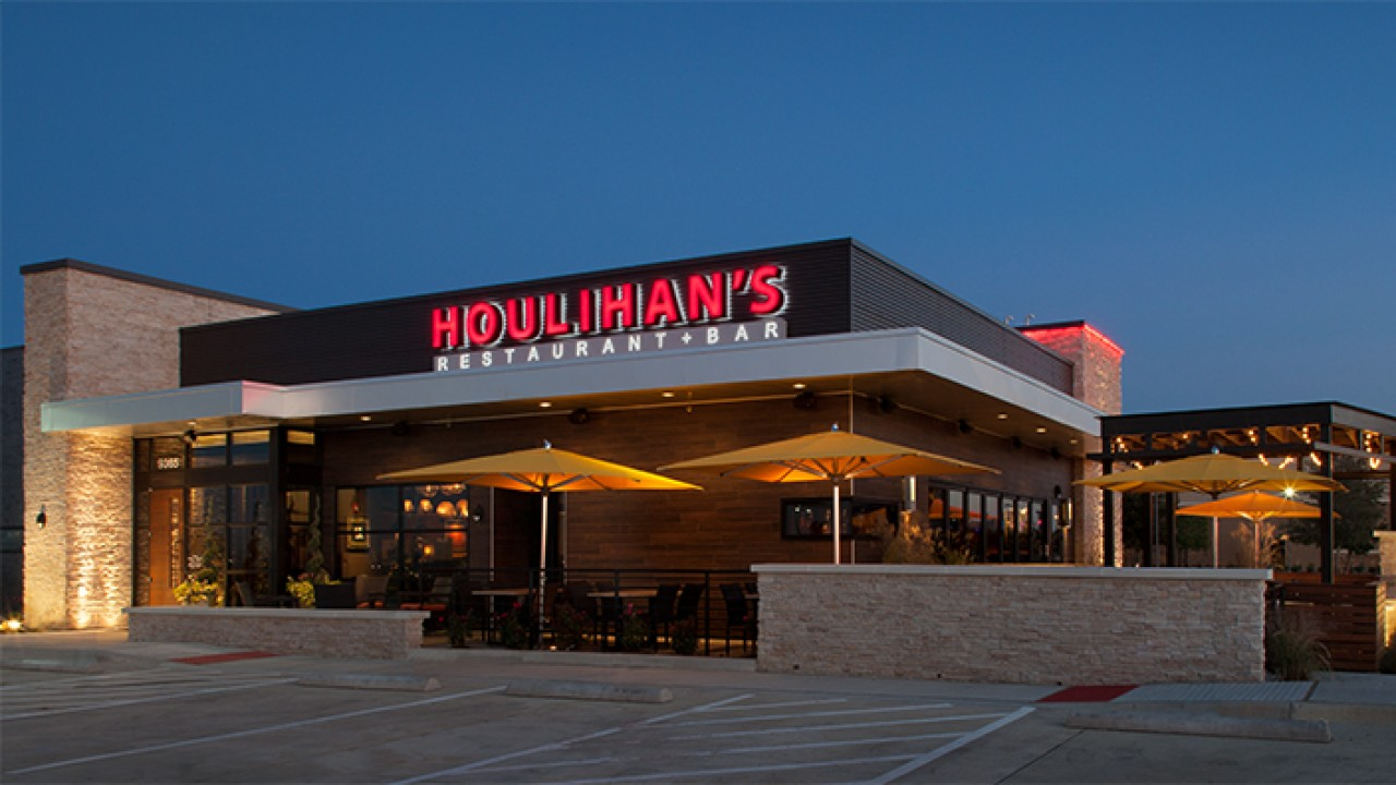 Houlihan's keto friendly restaurants