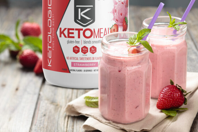 Strawberry Keto Milkshake with No Calories